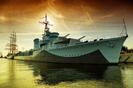 us-navy-warship-768x512